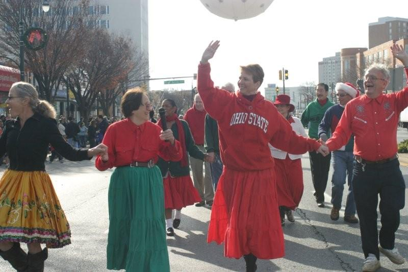 Picture 2 of dancers in the 2009 parade.
