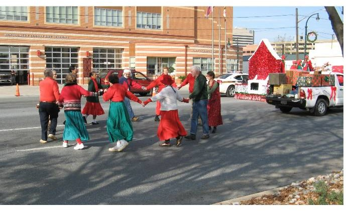 Picture 1 of dancers in the 2009 parade.